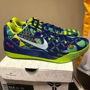 Nike Shoes - Kobe Men Shoes. DEADSTOCK